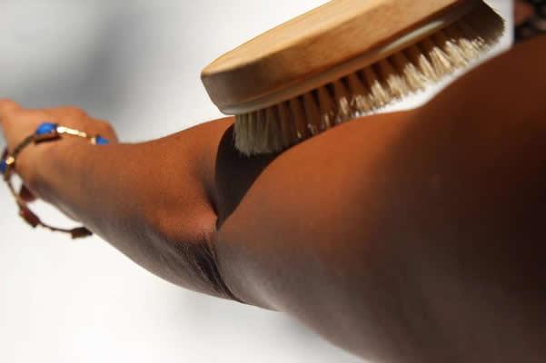 skin-brushing